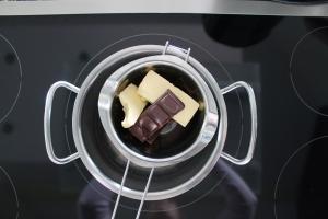 Schokolade und Butter vor dem Schmelzen
