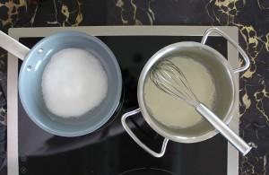 Zucker, Sahne und Salz vor dem Erhitzen